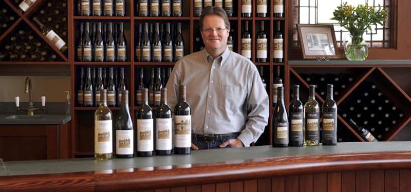 Marty Clubb Giám đốc Sản Xuất Rượu Tại L'ecole